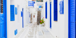 Why you should choose Mykonos for your summer job!